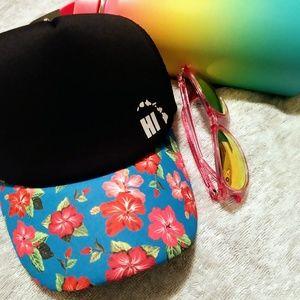 NWT Hawaii Trucker Hat
